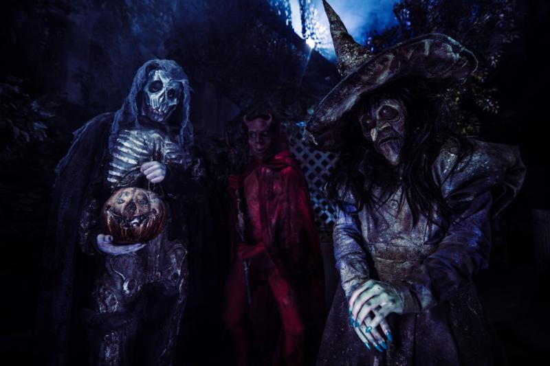 scary characters at House of Torment haunted house in austin texas