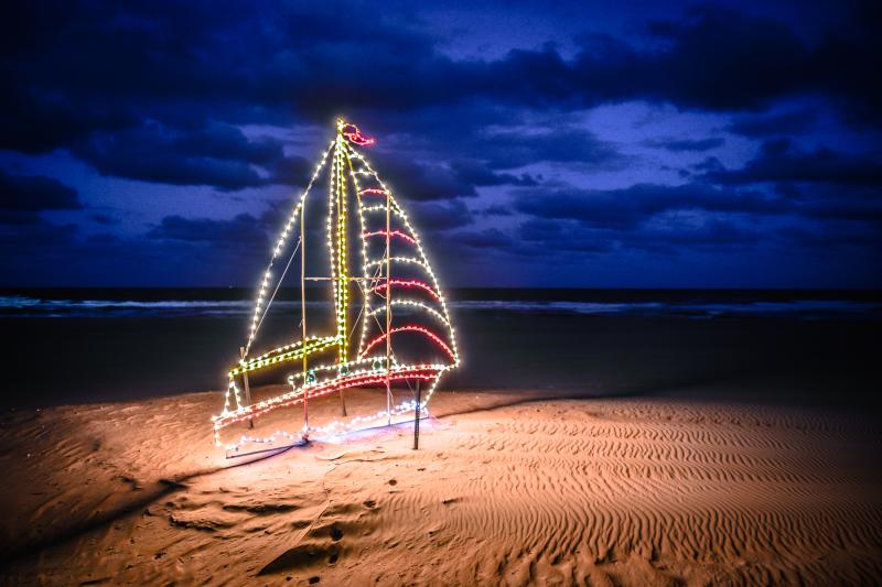 Sports & Events - Events - Festivals - Holiday Lights - 14156 - 20 Holiday Lights Oceanfront 8x10print.jpg