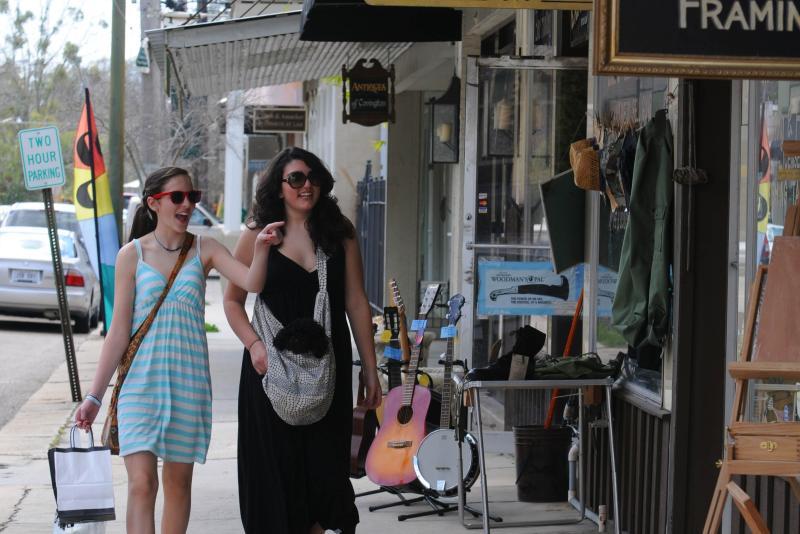Shopping on Columbia Street2, Covington Cropped