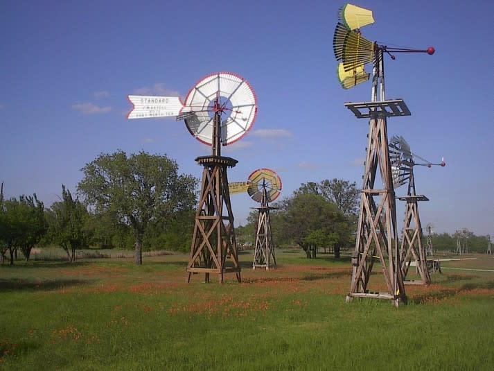 WindmillFarm2-713x535.jpg