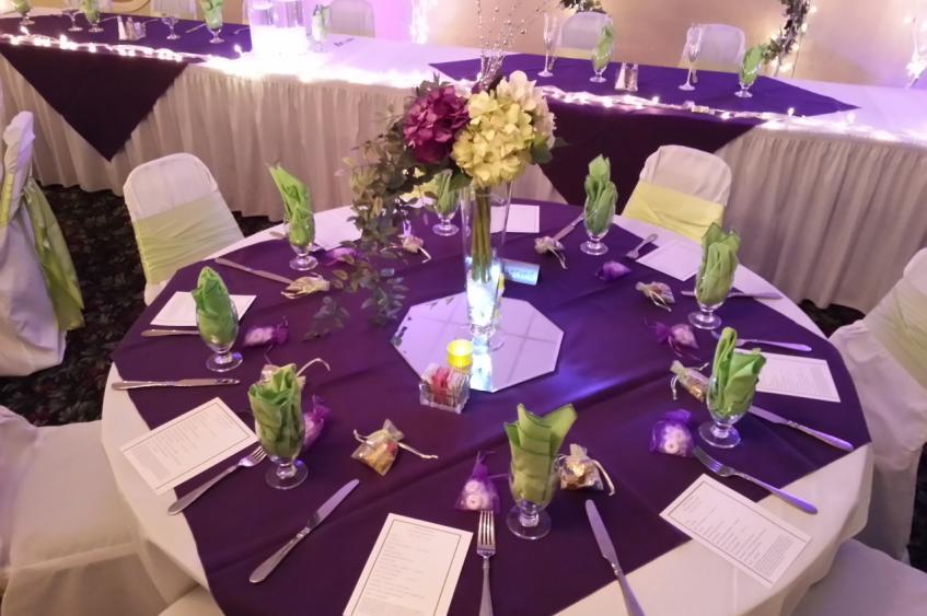 Ivy Room Table Set