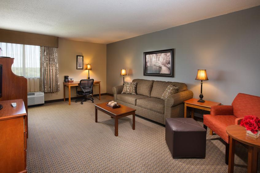 TWO ROOM SUITE - LIVING ROOM