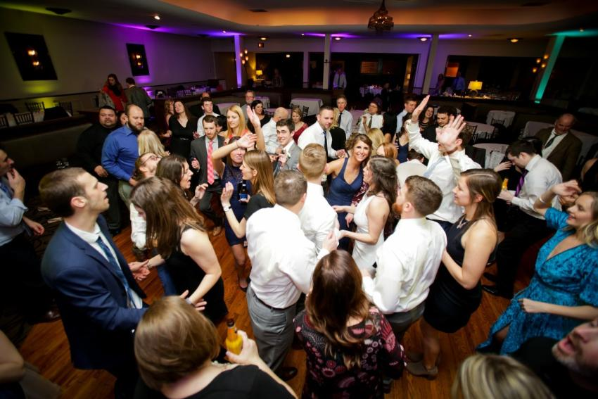 club-86-dancing