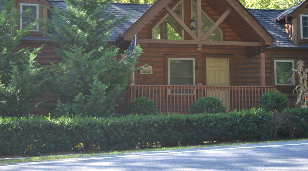 Rocky Broad River Cabin