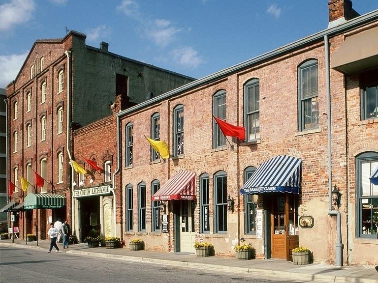 Copy Cotton Exchange in historic downtown Wilmington 4:3