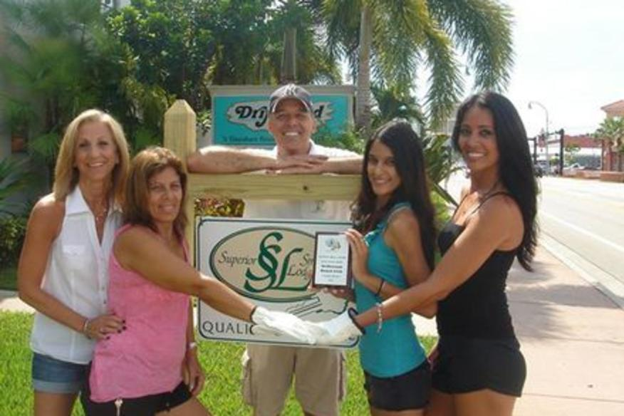 Driftwood has been awarded the Superior Small Lodging White Glove Award !