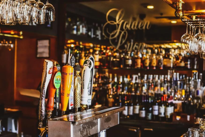 Your new favorite Pub in the heart of Las Olas Boulevard!