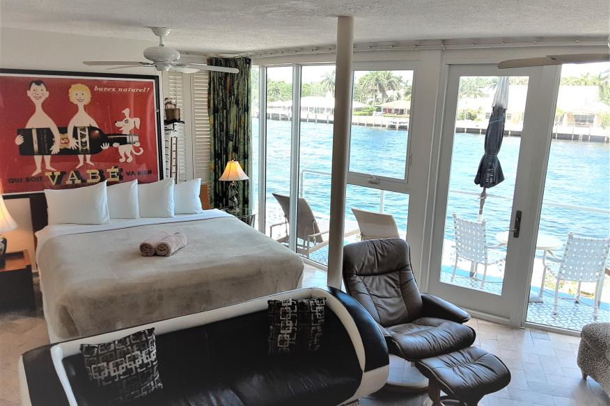 207 Waterfront Deluxe Studio with Intracoastal Waterway Views