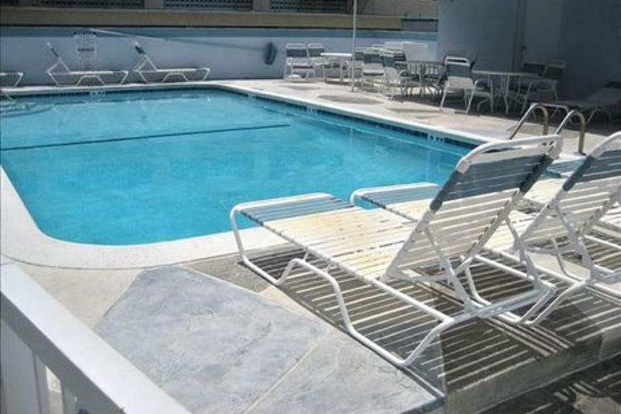 326 Windwood on Hollywood #303 Three Bedroom Two Bathroom