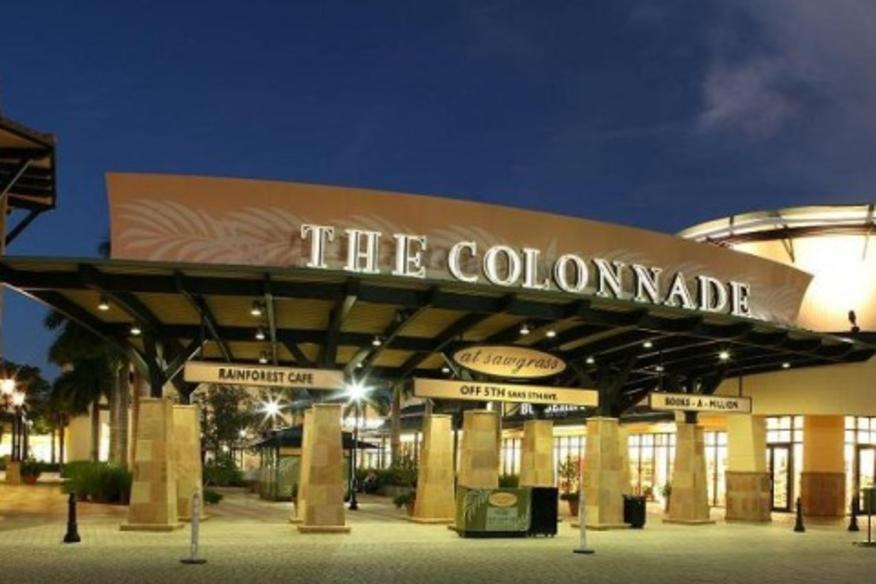 ELIE TAHARI AT THE COLONNADE OUTLETS