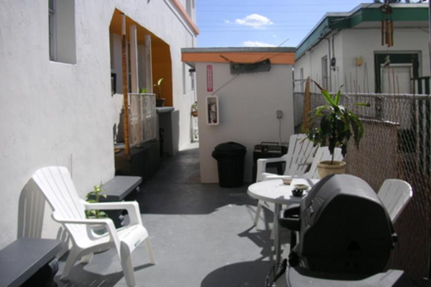 Courtyard area - with BBQ