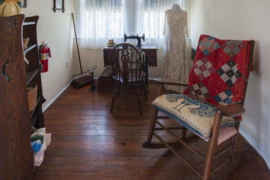 Sewing Room - King Cromartie House