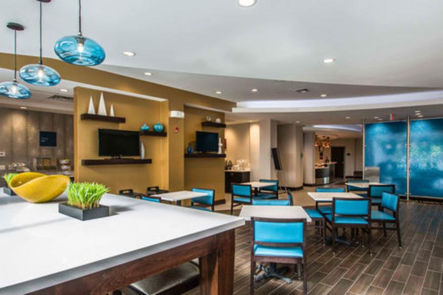 Comfort Suites Fort Lauderdale Airport South & Cruise Port Breakfast Dining Room