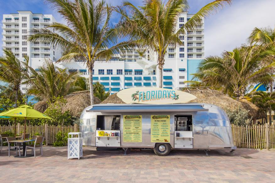 Floridays Airstream Cafe - Restored Airstream Taco Truck