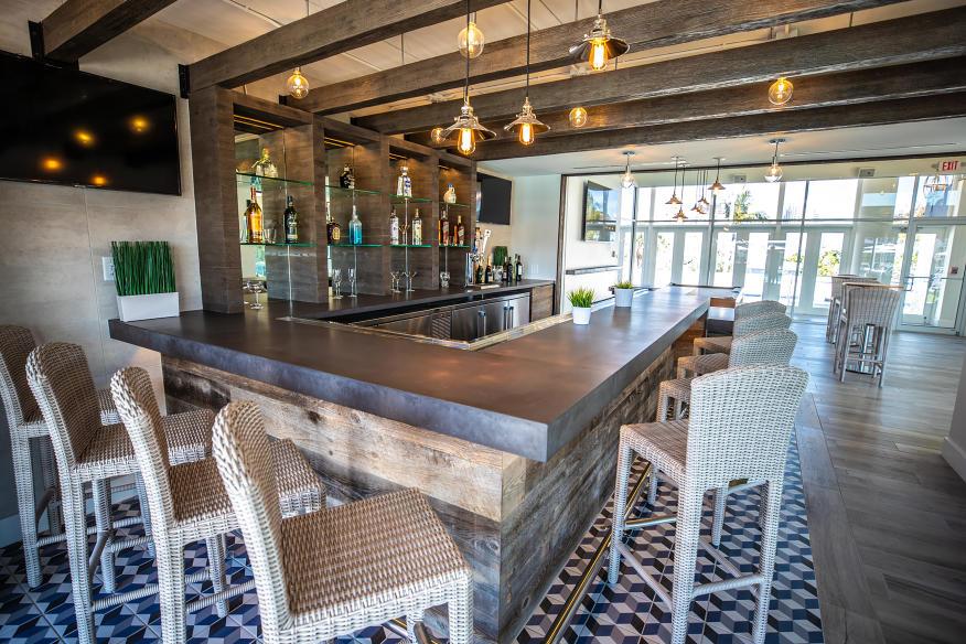 High Tide Lounge Bar