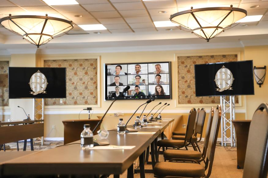 Hybrid Meeting Options at the Riverside Hotel