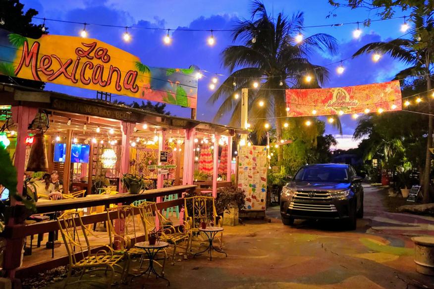 La Mexicana Taco Bar