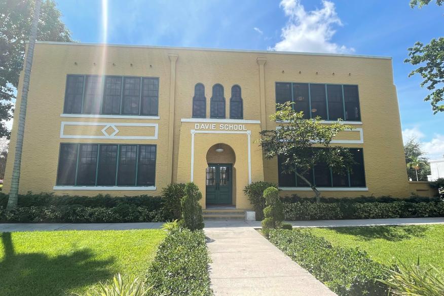 Old Davie Exterior 2