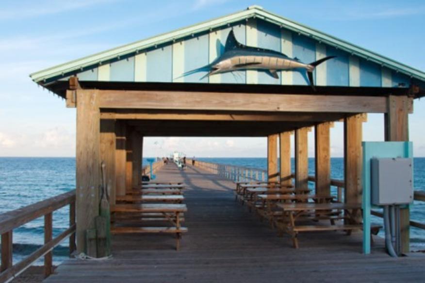 ANGLINS BEACH CAFE