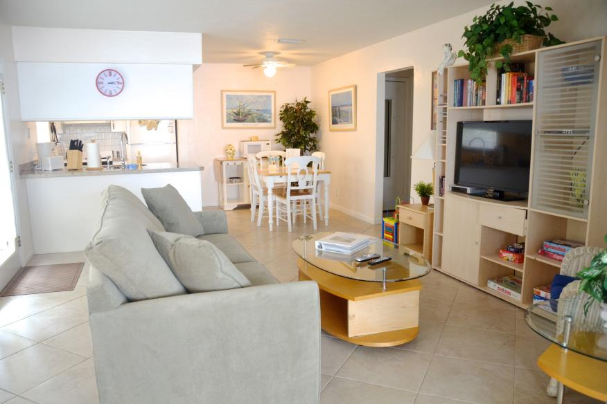 Extra Lg 1/1 livingroom