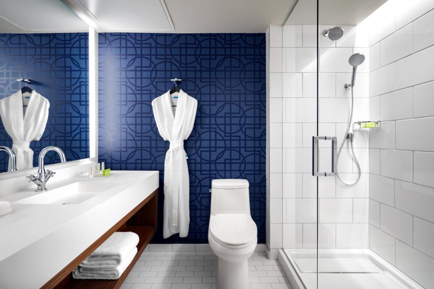 Le Meridien Dania Baech Bathrooms