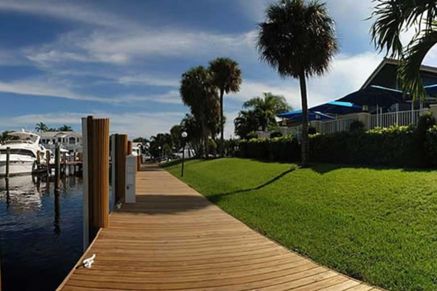 outdoor shot of lighthouse point yacht club
