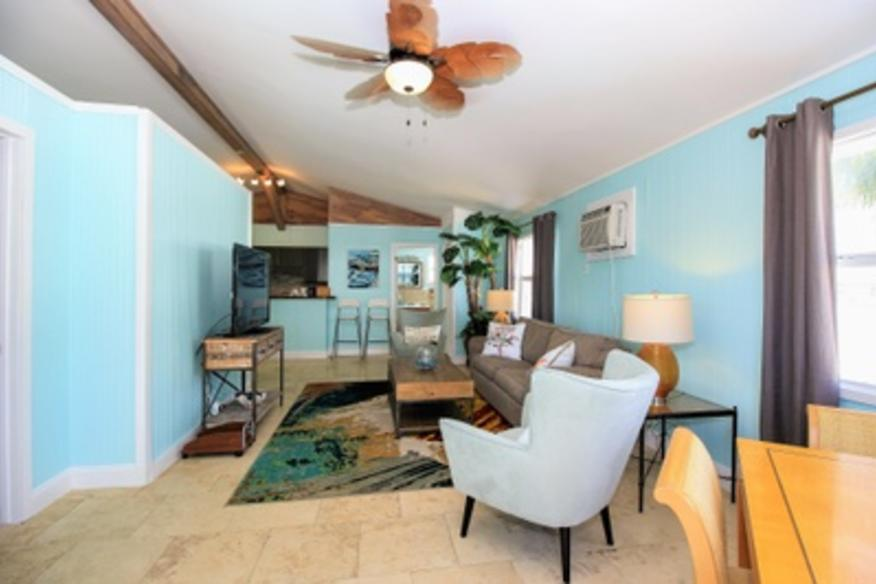Ocean Breeze Apartment