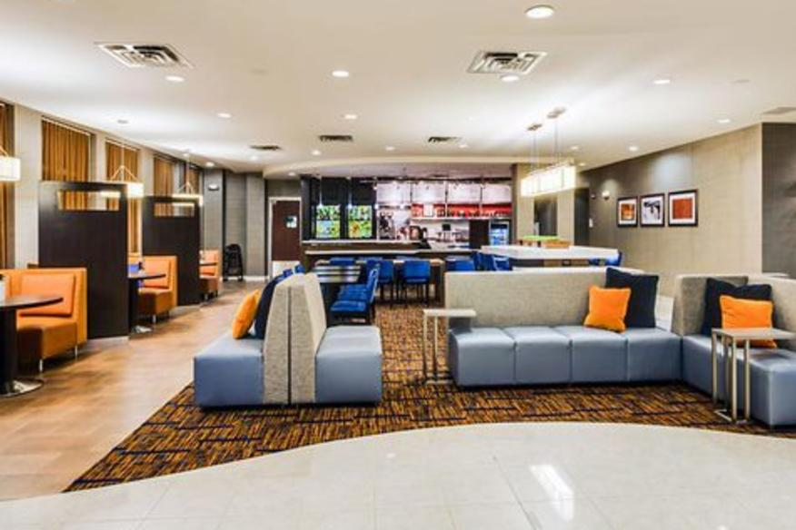 Restaurant-Lobby