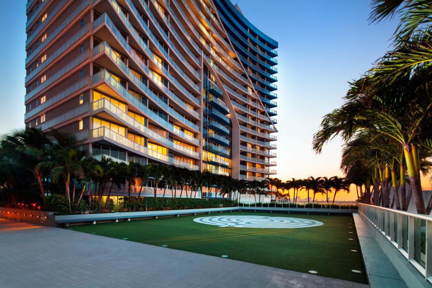 W Fort Lauderdale Courtyard