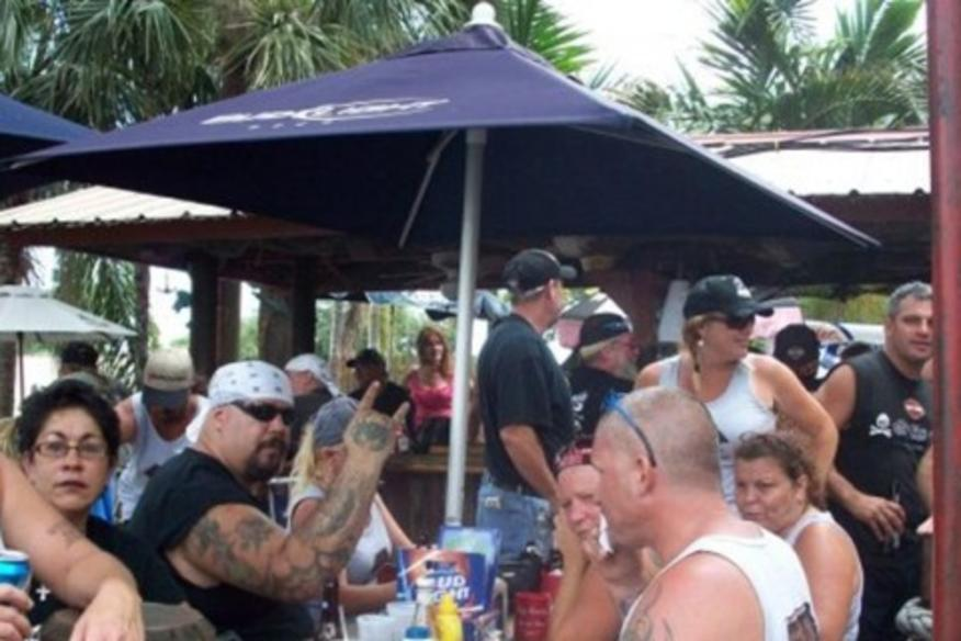 FLOSSIE'S BAR & GRILLE