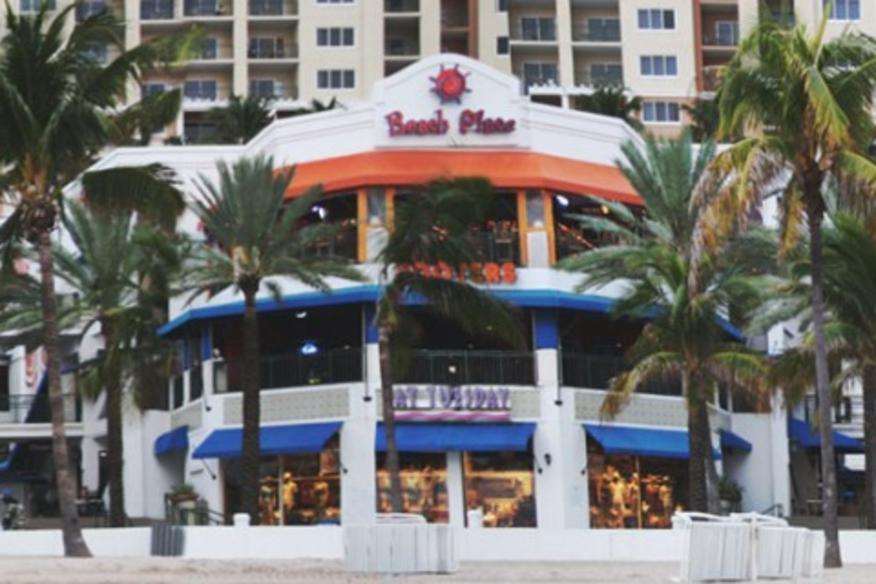 HOOTERS BEACH PLACE