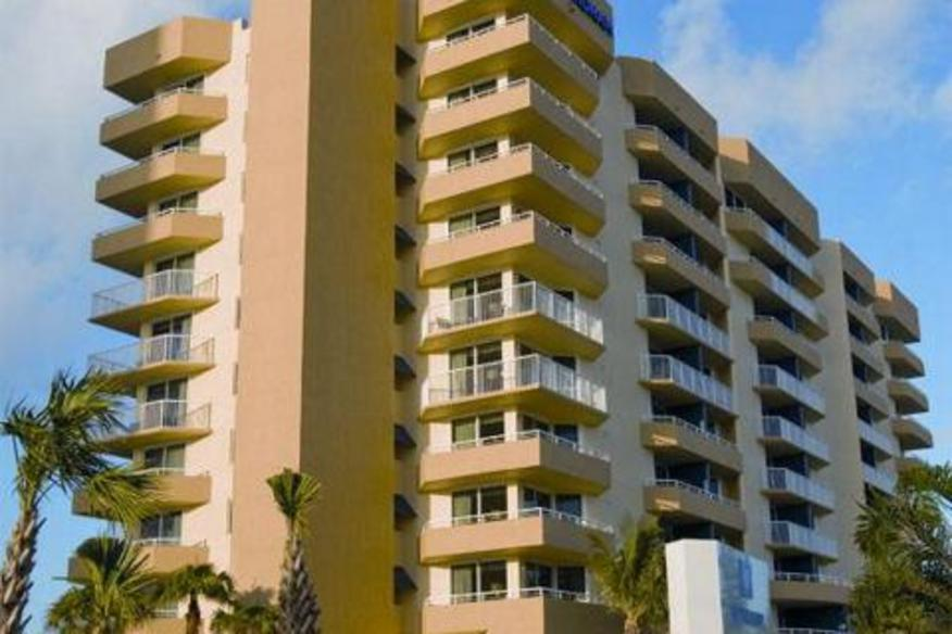 Pompano Beach, FL - Wyndham Santa Barbara Resort, Exterior