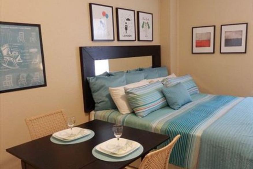 Hollywood Beach Resort #510 Studio King Bed Partial Ocean View