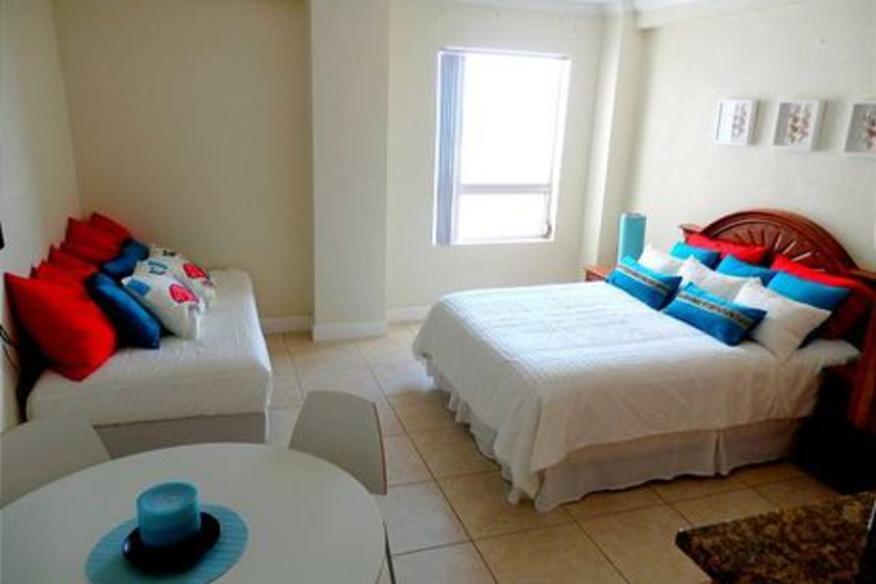 Hollywood Beach Resort #672 Studio King Bed Partial Ocean View