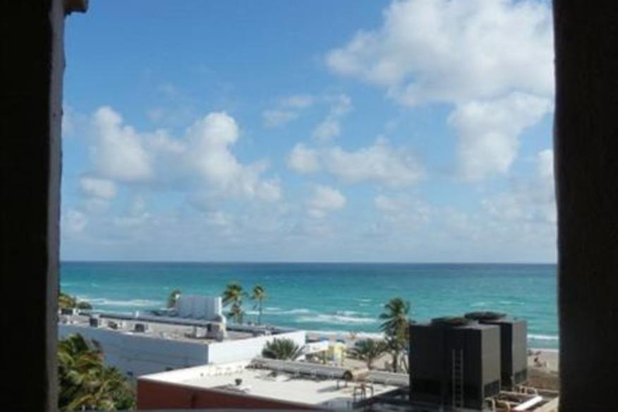 Hollywood Beach Resort #681 Balcony Studio One King Ocean/City View