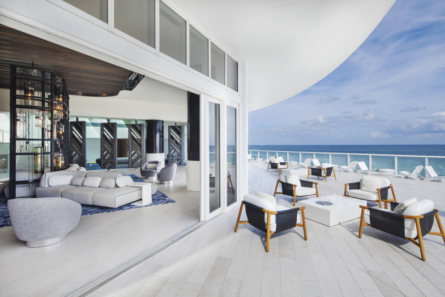 W Fort Lauderdale Living Room Terrace
