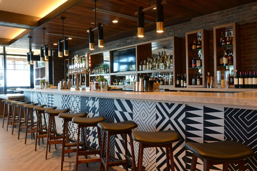 Lona Bar