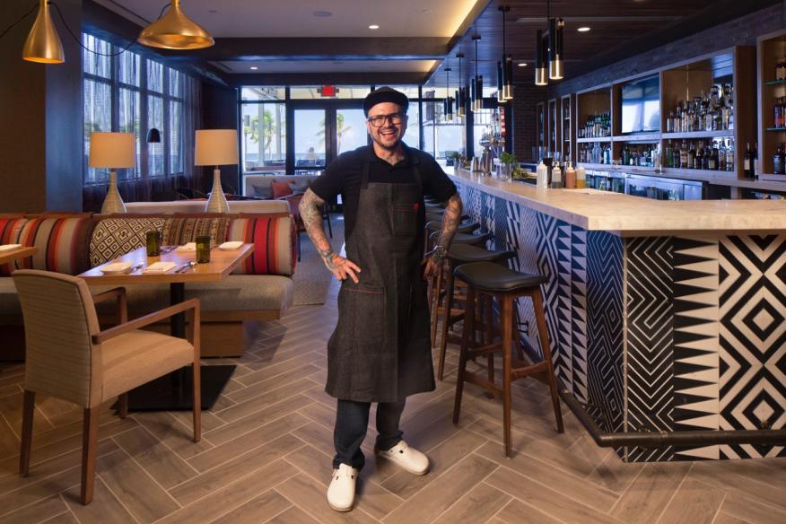 Lona Chef Pablo Salas