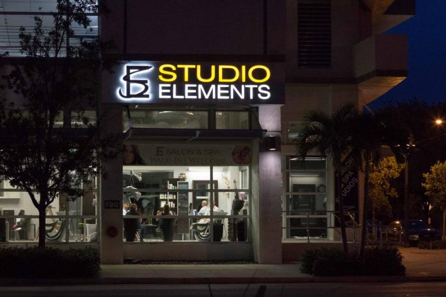 studio elemets night