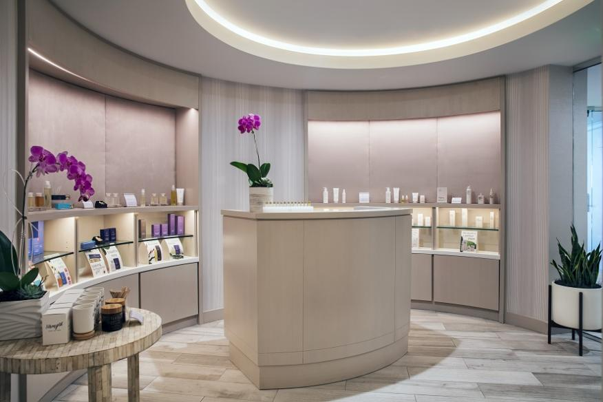 Welcome and Retail Space at CONRAD Spa