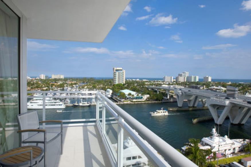 Completely surrounded by Intracostal Waterway views
