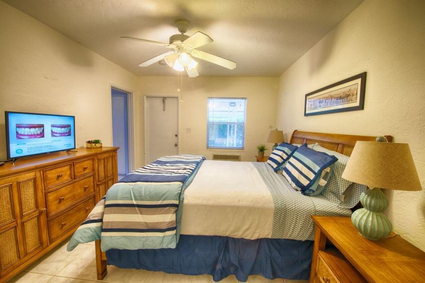 1B/2B Suite- Bedroom