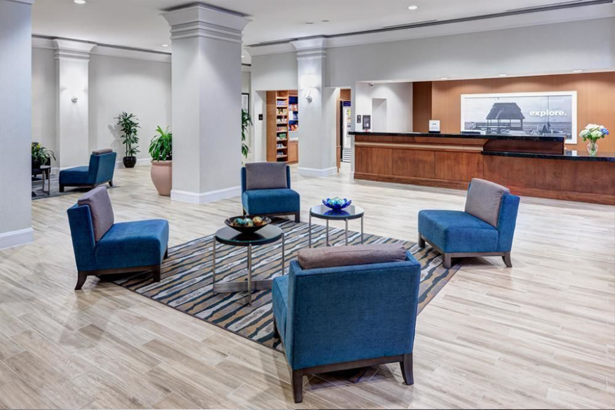 Hampton Inn Fort Lauderdale - Front Desk