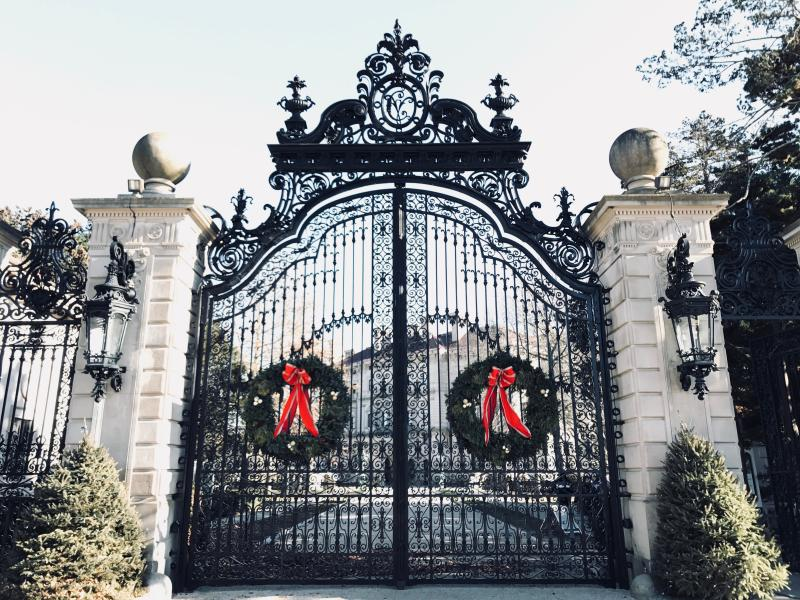 Mansion Gates Holidays