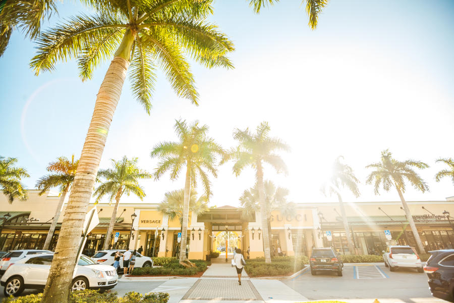 Exterior view of the Colonnade Outlet at Sawgrass Mills in Fort Lauderdale