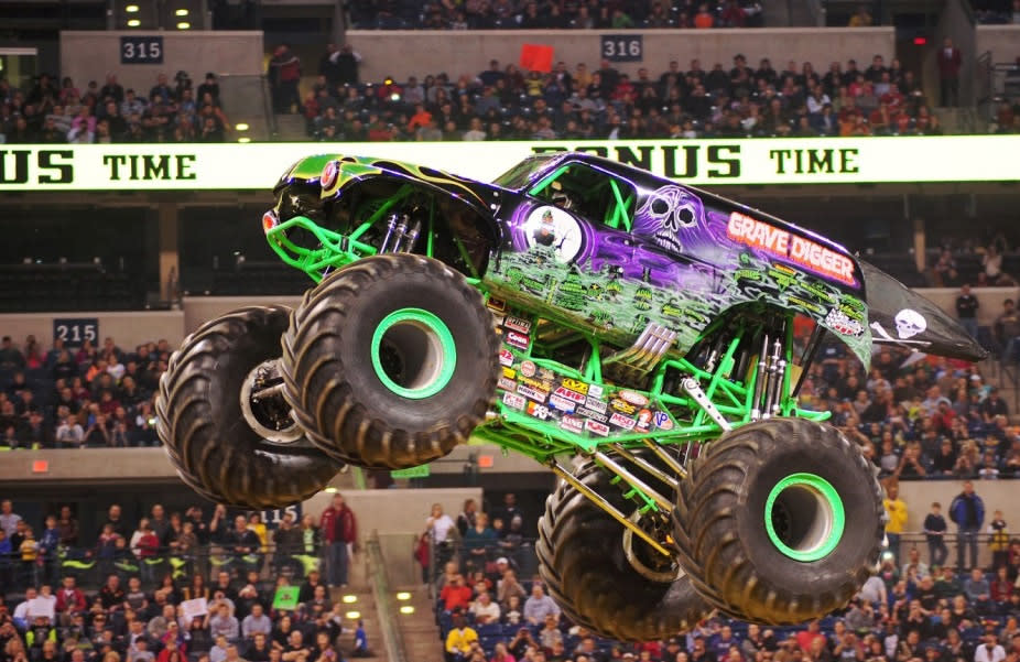 Grave Digger – Maple Leaf Monster Jam