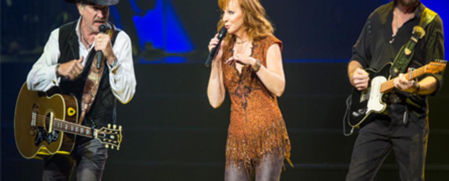 Reba, Brooks & Dunn Together In Vegas
