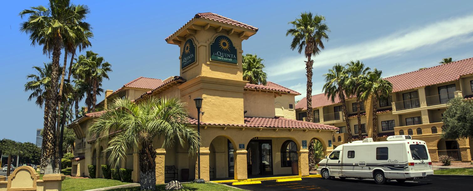 La Quinta Inn & Suites - North Conv. Ctr.