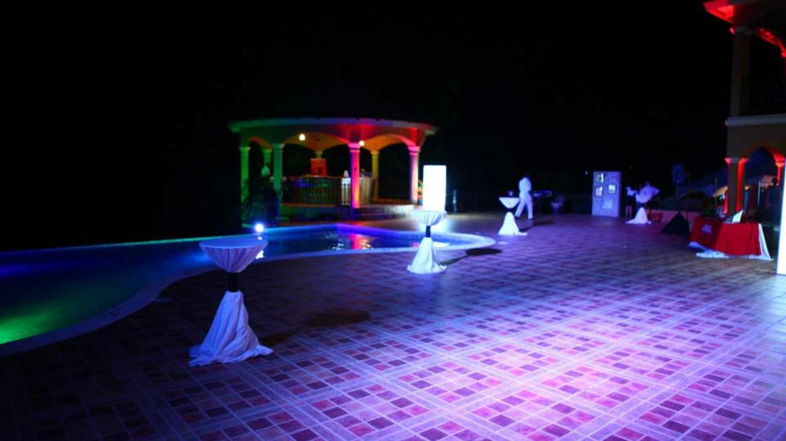 Milbrook-Resort-at-night