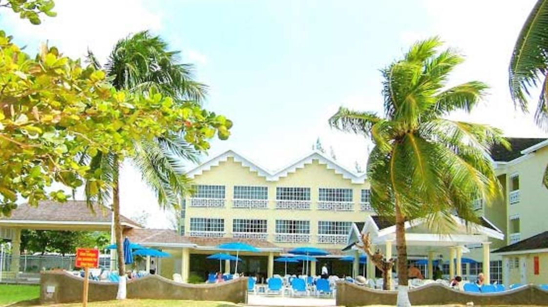 Resort-Photo2